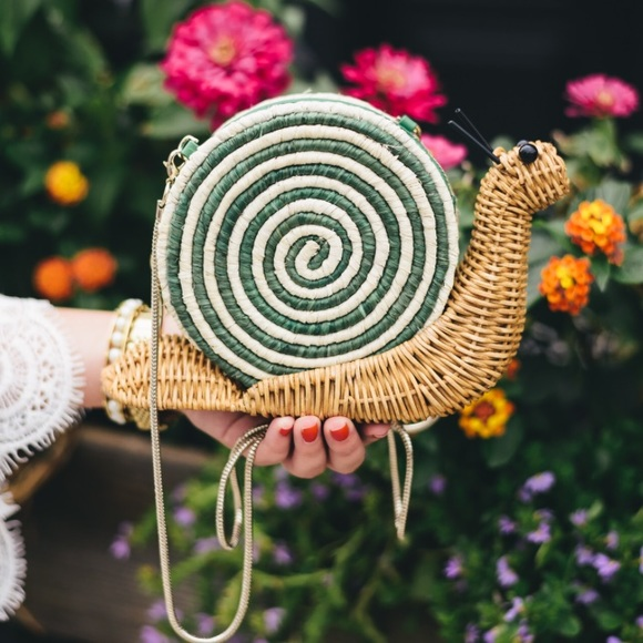 kate spade Handbags - Kate Spade Snail Natural Wicker Clutch